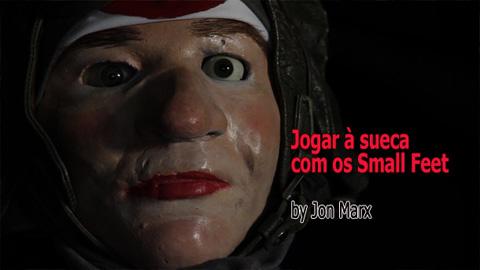 Jogar à sueca com os Small Feet by Jon Marx