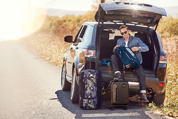 A coleção de Homem para a Primavera de 2018, eleva a experiência dos 'Global Citizens' das suas viagens pessoais com sacos e acessórios premium – desde mochilas, a totes a pastas e outras.