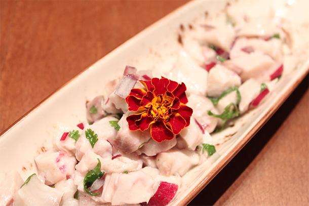O Unique Sushi Lab, é um restaurante japonês cuja proposta é oferecer um ambiente aconchegante e moderno que concilie a culinária oriental e ocidental.