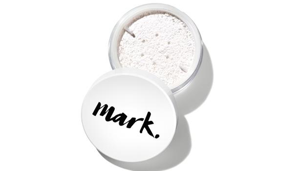 AVON apresenta a nova linha de produtos inovadores Mark