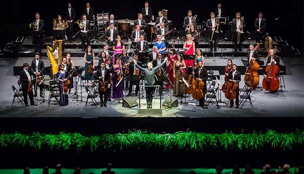 Há que entrar em 2018 com uma celebração a rigor, seguindo a tradição dos Concertos de Ano Novo na Sala Dourada da Musikverein de Viena.