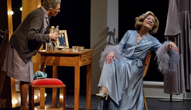 """Com um elenco notável, o espectáculo """"Simone, O Musical"""" chega ao Salão Preto e Prata do Casino Estoril num curto ciclo de representações."""