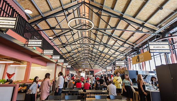 Localizado na marginal de Vila Nova de Gaia, o renovado Mercado Beira-Rio, inaugurado no passado mês de setembro, é o o spot ideal.