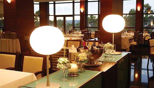 O Montebelo Viseu Congress Hotel, em Viseu, unidade cinco estrelas do Grupo Visabeira disponibiliza um programa de passagem de ano a partir de 185 euros por pessoa