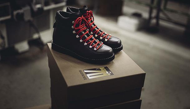 As duas marcas históricas do aglomerado industrial do calçado de Montebelluna, Diemme e Diadora unem-se para festejar o 70° aniversário.