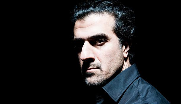 """No âmbito do CCBEAT, Mazgani apresenta o seu mais recente registo discográfico, """"The poet's death"""", no Centro Cultural de Belém."""
