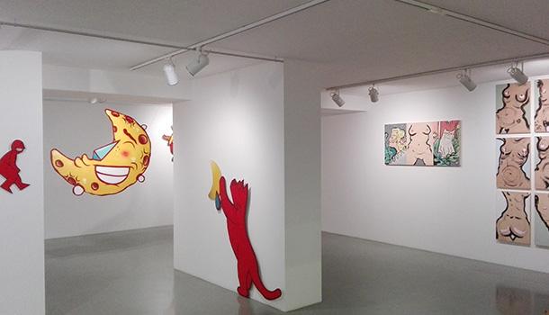 """Exposição coletiva intitulada """"Between Heart anda Heaven"""", apresenta os artistas de street art - Berri Blue, Godmess e Hazul."""