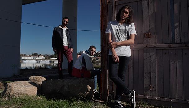 Dois anos depois do primeiro EP os FUGLY seguem o seu percurso em busca do caos e da excentricidade frenética do noise e do garage.