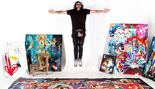 Após a intervenção nos dois contentores do Sky Bar, o artista plástico LUIO volta a apresentar-se no Tivoli Avenida Liberdade, pela primeira vez como I LUIO, com a exposição FROM CAOS TO MICROCOSMOS: THE BEGINNING.