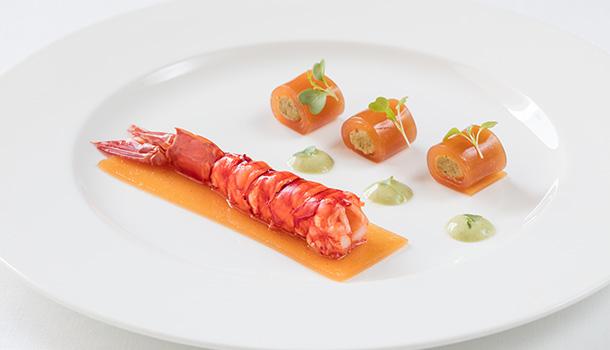 O restaurante Egoísta apresenta a carta Primavera/Verão desenvolvida pelo chef Hermínio Costa. O peixe é o protagonista, estando presente em duas das três entradas e em três dos seis pratos principais.