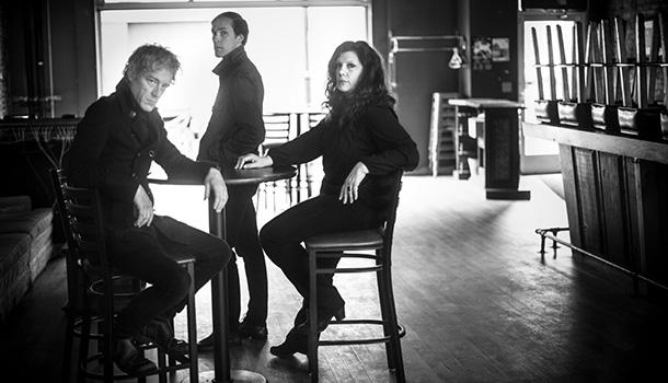 """Low, o trio composto nos anos 90 por Alan Sparhawk, Mimi Parker e Steve Garrington passa por Portugal para apresentar o novo álbum """"Double Negative""""."""