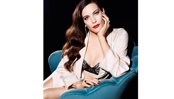 Para a estação de outono/inverno, a atriz Liv Tyler apresenta duas séries de lingerie luxuosas e elegantes, Luxury e Smooth Essence.