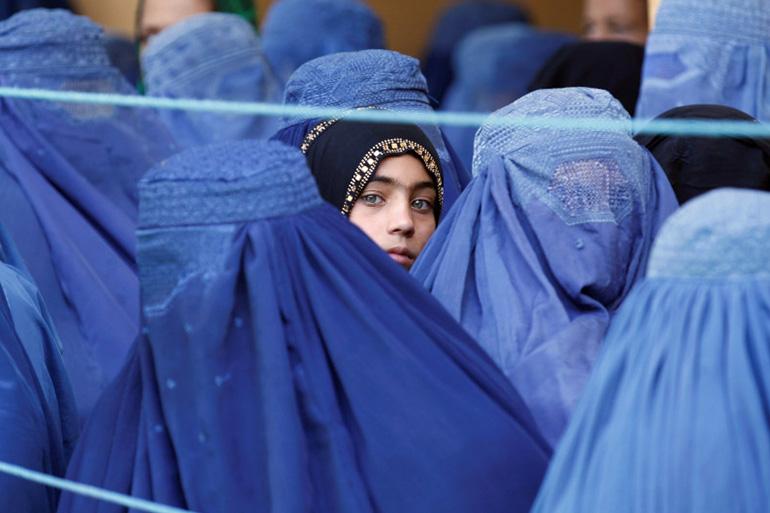 Afeganistão. Nos últimos dias, o mundo tem assistido, horrorizado, ao regresso dos talibãs ao poder, na cidade de Cabul, sua capital.