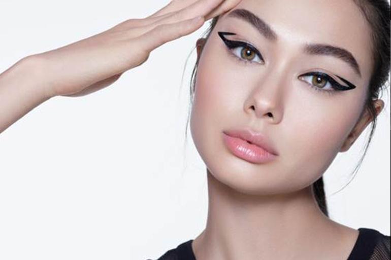 Está à procura do eyeliner perfeito? Três dicas para a aplicação certa